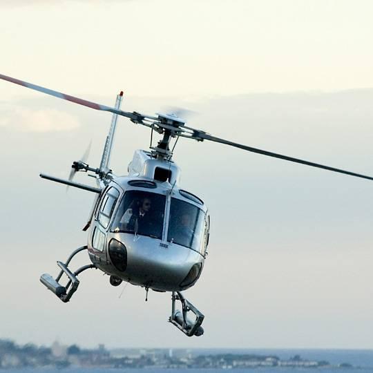 La Corse vue du ciel en hélicoptère